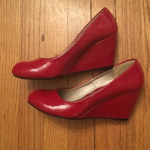 Red paten leather Wedges